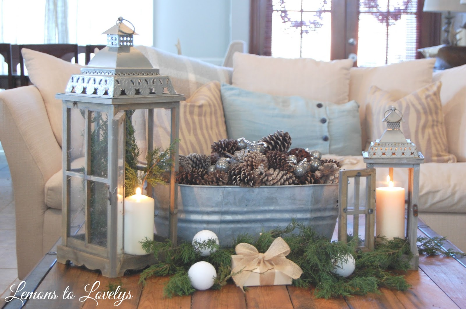 christmas-2015-living-room-vignette